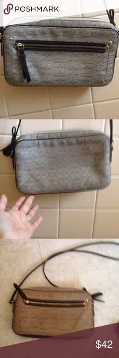 Coach crossbody bag This was my favorite bag its in very good condition Coach Bags Crossbody Bags