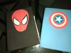 Capas de cadernos dos super-heróis em Eva Phone, Notebooks, Superhero, Cape Clothing, Telephone, Phones