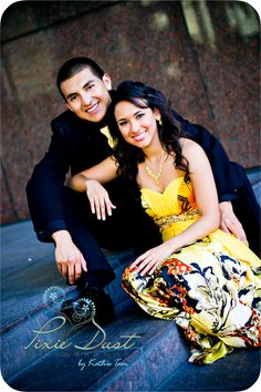 sitting pose…tilted… (prom) Are you going prom? So you can find hair style, dress, makeup ideas this page. Homecoming Poses, Homecoming Pictures, Prom Photos, Senior Prom, Prom Pics, Homecoming Dresses, Prom Pictures Couples, Prom Couples, Teen Couples