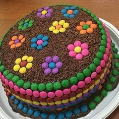 : Anniv Kuchen - CUISINE - Kuchen Kindergeburtstag - Essen & Trinken -You can find Cuisine and more on our website. Torta Candy, Candy Cakes, Cupcake Cakes, Chocolate Birthday Cake Kids, Chocolate Box Cake, Cake Birthday, Birthday Cakes For Kids, Girl Birthday, Easy Cake Decorating