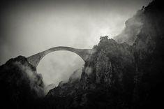 20-ponts-mystiques-qui-semblent-mener-dans-un-autre-monde-pindos-grece