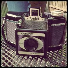 Coronet Cadet 120 film camera I got at Spitalfields today. appears in fully working order so will take it out for a spin sometime!