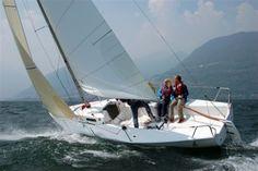 sailing a J80 on Lake Como