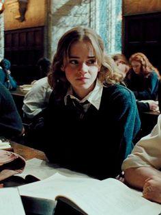 Hermione Granger More Saga Harry Potter, Harry Potter Characters, Harry Potter Universal, Harry Potter World, Hermione Granger, Harry And Hermione, Ron Weasley, Hogwarts, Scorpius And Rose