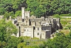 Haddon Hall - home of Sir Henry Vernon and Lady Anne.