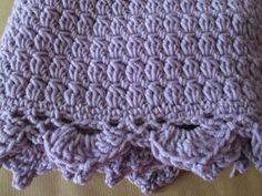 Copertina Glicine.. 100% pura lana irrestringibile, larghezza 78 cm - altezza 72 cm / Couverture Glicine .. 100% pure laine non lavable, largeur 78 cm - hauteur 72 cm