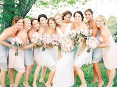 Beautiful #bridesmaids in pink, gray & white #dresses.