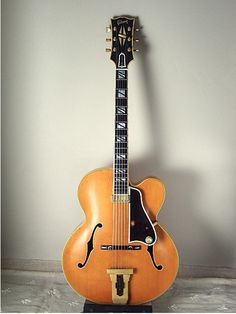 Gibson JOHNNY SMITH , awesome quarter guitar by Gibson natural color