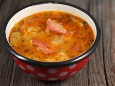1 kg coaste de porc afumate, 1 varza mica (cca Soup Recipes, Cooking Recipes, Hungarian Recipes, Romanian Recipes, Vegetarian Cabbage, Romanian Food, International Recipes, Diy Food, Soup And Salad