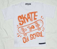 Remera con estampa skate.