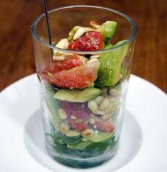 Avocado - Erdbeer - Salat mit Ingwer Dressing