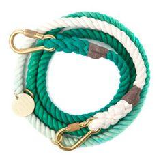 Déjà adoptée par notre Perdita Von Teese : teal Ombre Rope Dog Leash, chez FOUND MY ANIMAL