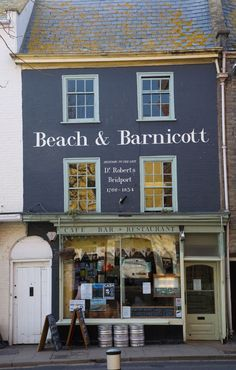 Beach and Barnicott, Bridport centre . lunch coffee please...that will do nicely thankyou.