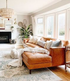"Bohemian interior maven Justina Blakeney imbues her signature ""jungalow"" style i. - Bohemian interior maven Justina Blakeney imbues her signature ""jungalow"" style into everything - Boho Living Room, Living Room Interior, Home And Living, Coastal Living, Bohemian Living, Small Living, Living Room Warm Colors, Interior Livingroom, Orange Living Room Furniture"