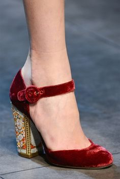 Dolce and Gabbana FW 13/14... I can't wear high heels... but if I could, and had the money, I'd wear these... I love the heel decoration!