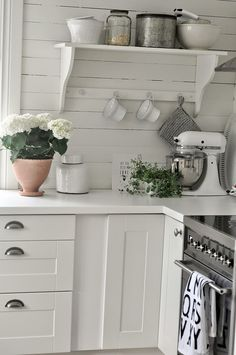 Home Decor Kitchen Love this all-white look.even the standard white stand mixer looks chic!Home Decor Kitchen Love this all-white look.even the standard white stand mixer looks chic! Decor, Home Kitchens, Cheap Home Decor, Country Kitchen, Home Decor Kitchen, Kitchen Dinning, Vintage Home Decor, Home Decor, House Interior