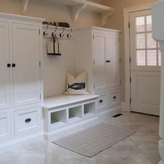 44 Adorable Small Mudroom Entryway Storage Design Ideas - Ma Home Design Mudroom Laundry Room, Laundry Room Design, Mudroom Cabinets, Bench Mudroom, Storage Cabinets, White Laundry Rooms, Small Laundry, Small Storage, Small Shelves