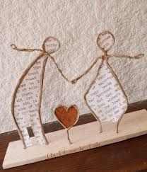 Not in English but looks good. Probably be able to work out how to do it? Wire Crafts, Diy And Crafts, Crafts For Kids, Arts And Crafts, Diy Craft Projects, Projects To Try, Origami And Quilling, Music Crafts, Paper Mache Sculpture