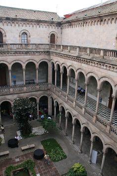 Patí interior de l'Universitat de Barcelona