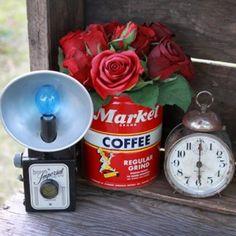 vintage clocks, vintag clock, vintage tins, vintage cameras, camera clock, coffee cans, vintage display, antiqu, vintag display