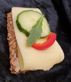 lavkarbomedhanne – Kyllingsuppen som får gjestene til å si mmmmmm. Cottage Cheese, Bagels, Panna Cotta, Cheesecake, Low Carb, Baking, Ethnic Recipes, Gluten, Desserts
