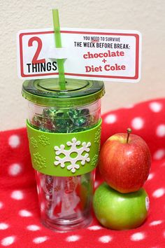 Great Ideas -- 22 Free Holiday Printables!! -- Tatertots and Jello