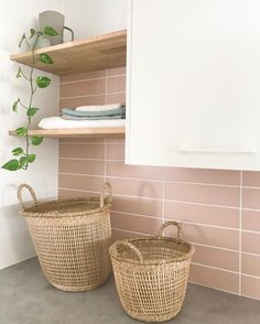 Need help DIY tiling? TAP for our ultimate how-to guide complete with tips and tricks of the trade 🏷️ ft. our Union Pink Satin 📸 Laundry Room Colors, Pink Laundry Rooms, Laundry Room Tile, Laundry Room Storage, Bathroom Feature Wall Tile, Utility Room Designs, Tiny Powder Rooms, Beaumont Tiles, Splashback Tiles