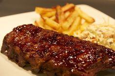 Côtes levées style Bâton Rouge   Recettes du Québec Rib Recipes, Copycat Recipes, Slow Cooker Recipes, Cooking Recipes, Recipies, Pork Dishes, Fish Dishes, Rib Sauce, Bbq Pork