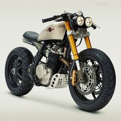 OK, sign me up for this bad-boy! A big thumper Honda XL600 ... what?... cafe? Scrambler? Roadster? Who cares! It pushes all of my happy buttons. AND its owned by the awesome actress from Battlestar Galactica, Katee Sackhoff.