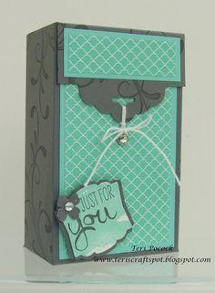 Scallop Tag Topper   Gift Box