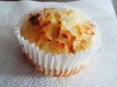 fitness desserts: Tvarohovo - kokosové fitness muffinky