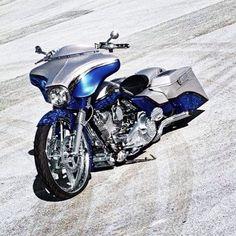 ⚡️⚡️⚡️⚡️⚡️⚡️ #bobber #harleydavidson #chopper #chopper #hd #bagger #softail #panhead #bike #knucklehead #sportster #custom #shoppers #motos #shovelhead #dyna #turing #flathead #oldschool #hotrods #indian #motorcycle #bike #bikelife #hemeltoldschool #vitage #streetglide