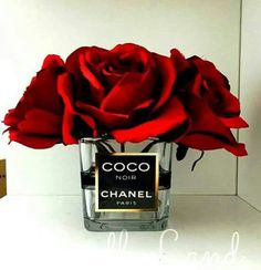 Chanel Inspired vase / Chanel Roses / Chanel by CandleLandd Old perfume bottles Chanel Decoration, Decoration Chic, Chanel Birthday Party, Chanel Party, Coco Chanel, Chanel Logo, Chanel Bedroom, Diy Sticker, Creation Deco