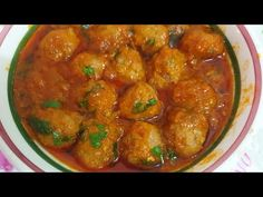 Chiftele în sos de roșii - YouTube Curry, Ethnic Recipes, Youtube, Food, Meat, Easy Meals, Curries, Meal, Eten