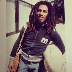 """To make music is a life that I have to live. Reggae Bob Marley, Bob Marley Pictures, Marley Family, Jah Rastafari, Robert Nesta, Nesta Marley, The Wailers, Reggae Music, Reggae Style"