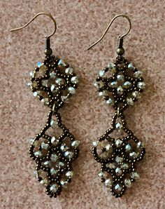 Linda's Crafty Inspirations: Easy Earrings - Names of colors used and source given.  Link to video on how to make these earrings also given