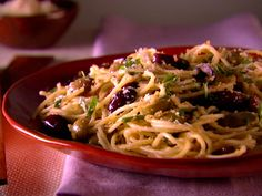 Spaghetti with Olives and Bread Crumbs Recipe : Giada De Laurentiis : Food Network