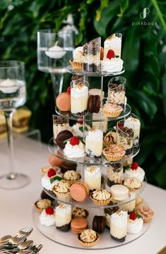 What does a wedding cost? We chat to SA's top wedding Planners to find out about the cost of a wedding in South Africa for locals & international couples. Budget Wedding Desserts, Wedding Snacks, Wedding Fayre, Wedding Book, Wedding Costs, Wedding Tips, Wedding Vendors, Wedding Planning, Mosaic Wedding