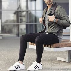 What would you rate this look from 1-10 (10 being the highest) Tell us your answer in the comments below Elba, Style Men, Men Style Tips, Men's Style, Skinny Guys, Super Skinny Jeans, Minimalist Shoes, Minimalist Fashion, Men Fashion