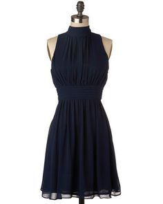 Windy City Dress by ModCloth ;) This navy dress shows off any figure and has that true vintage feel. Pretty Outfits, Pretty Dresses, Girly Outfits, How To Have Style, Quoi Porter, Dresses Short, Moda Casual, Retro Vintage Dresses, Navy Dress