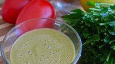 Tomato Rose Hip Parsley Winter Smoothie Recipe #smoothie #smoothies #recipe #recipes #drink #drinks #health #healthy
