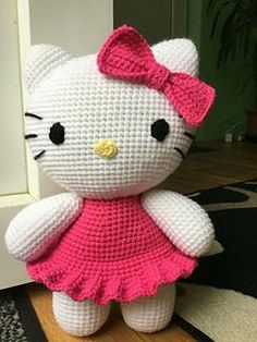 Big Hello Kitty - free crochet pattern by Ella.D Design. 29cm tall.