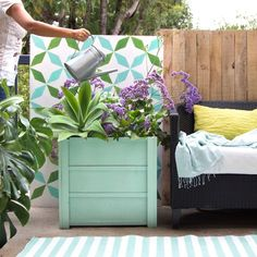 Cheap And Beautiful Diy Planters Ideas For Beautiful Garden, Firstly, gather the four tiles you want to utilize for the cubed planter. In the end, a hanging planter you'll be able to eat! Hanging planters can be. Diy Wood Planter Box, Planter Box Plans, Diy Planters, Planter Boxes, Solar Pond, Solar Water, Garden Water Fountains, Diy Fountain, Diy Solar