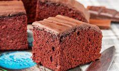 Negresa din albusuri cu glazura de ciocolata Banana Bread, Deserts, Baking, Food, Sweets, Desserts, Bakken, Eten, Postres