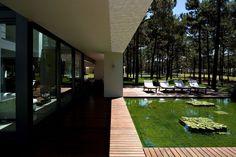 Casa Do Lago by Frederico Valsassina Architects | HomeDSGN