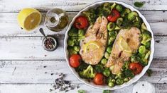 Building a balanced, healthy meal is easy when you have these clear guidelines for choosing protein, carbs, and healthy fats the Sugar Impact Diet way! Salmon Recipes, Raw Food Recipes, Healthy Recipes, Food Tips, Free Recipes, Keto Recipes, Low Starch Vegetables, Veggies, Diet And Nutrition