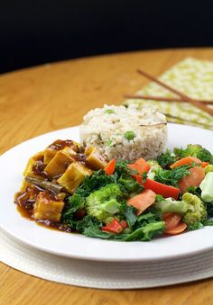 MANCHURIAN CHICKPEA TOFU WITH RICE & VEG