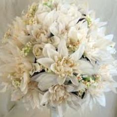 Bouquet Silk Flowers, Wedding Inspiration, Wedding Ideas, Floral Wreath, Groom, Sparkle, Shapes, Wreaths, Pretty