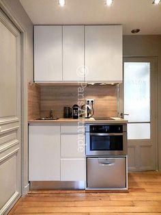 Mini lave-vaisselle et four combiné Plus - Small Apartment Kitchen, Basement Kitchen, Small Space Kitchen, Small Spaces, Kitchen Decor, Kitchen Design, Kitchen Ideas, Kitchen Stove, Wooden Kitchen