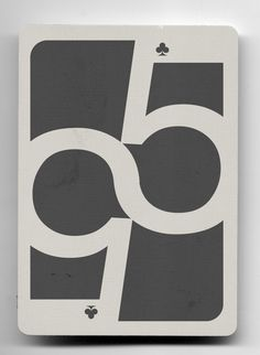 5 de trébol (helvética). baraja tipográfica